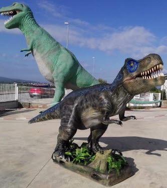 Dinosaurios Los dinosaurios reales también poseían una estructura de cadera distinta que nunca se vio replicada en otros reptiles marinos. spanish replicas